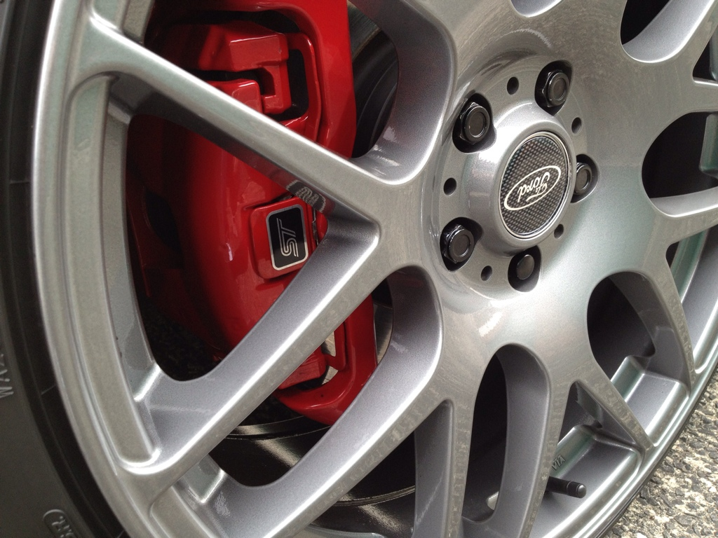 Ford Alloy Wheel Repair